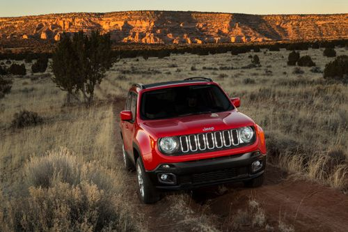 2015-Jeep-Renegade-Jeff-Wyler